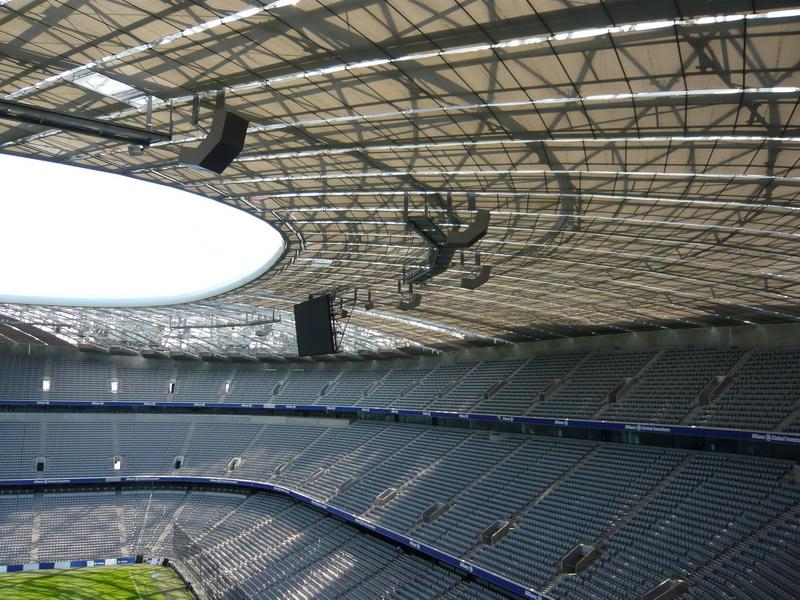 Unterhangdecke in der Fußballarena in München